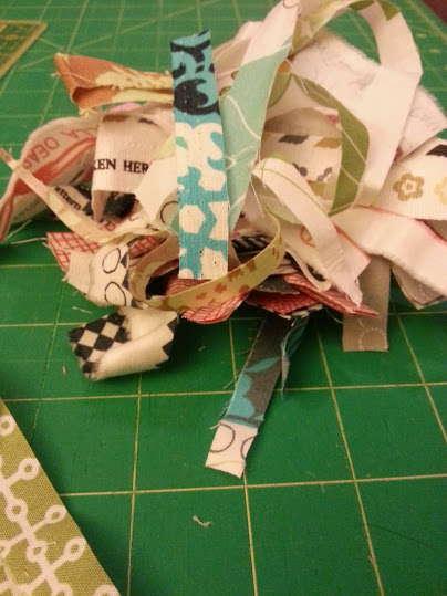 fabric scrap wreath (4)