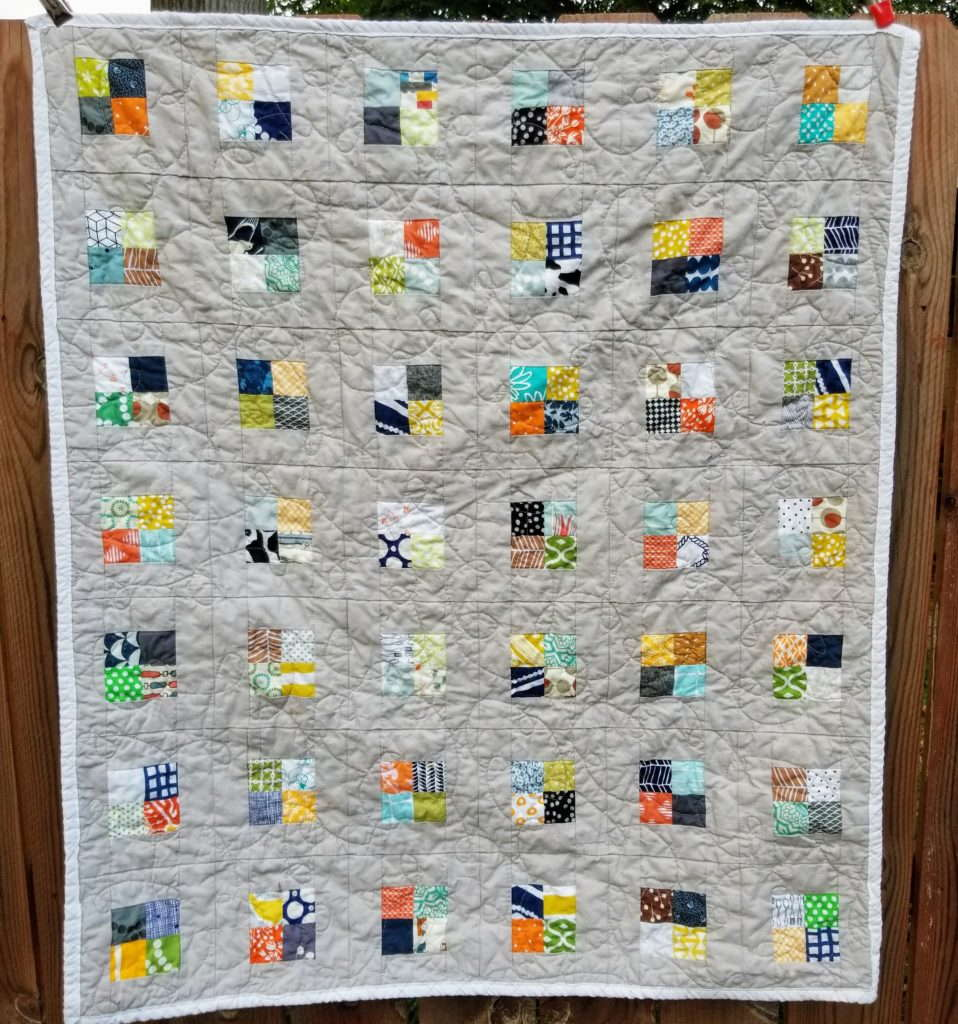 scrappy baby quilt, checkerboard quilt, scrap quilt, quiltytherapy